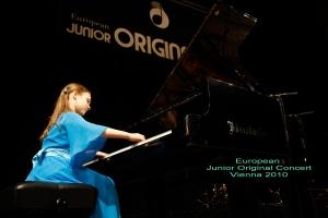 Valeria EJOC 2010 355[1]