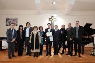 PERZ MATEUSZ premiato da tutta la Commissione, il Presidente dell'Associazione, il Direttore artistico e il Presidente della Confesercenti di An - Copia (3)