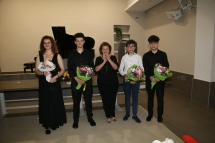 bella foto con i quattro pianisti del Concerto inaugurale