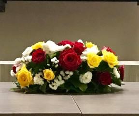 Composizione floreale donata da Fioreria Petrosino